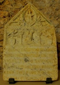 Tombstone of Canon Raimon de Milà, marbre. Around the year 1266 © Museu Diocesà de Tarragona